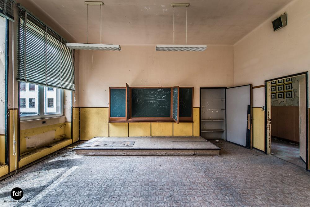 Das Mädchenpensionat-Internat-Schule-Urbex-Lost-Place-Frankreich-3.jpg