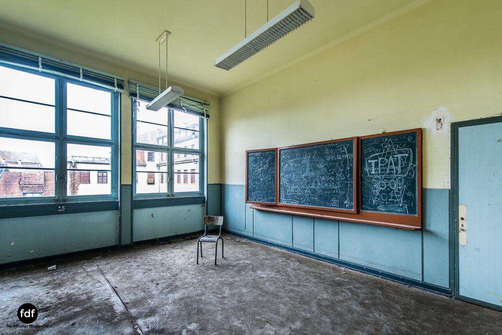 Das Mädchenpensionat-Internat-Schule-Urbex-Lost-Place-Frankreich-5.jpg