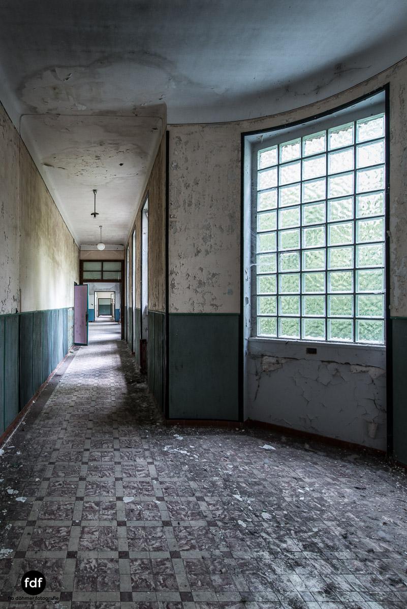 Das Mädchenpensionat-Internat-Schule-Urbex-Lost-Place-Frankreich-10.jpg