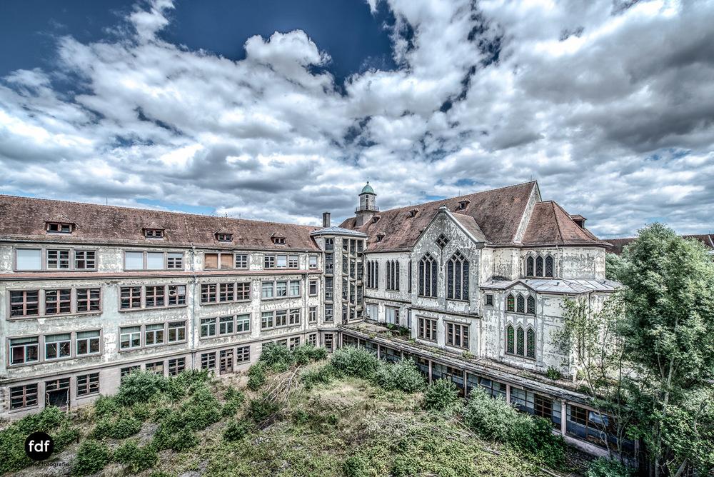 Das Mädchenpensionat-Internat-Schule-Urbex-Lost-Place-Frankreich-11.jpg