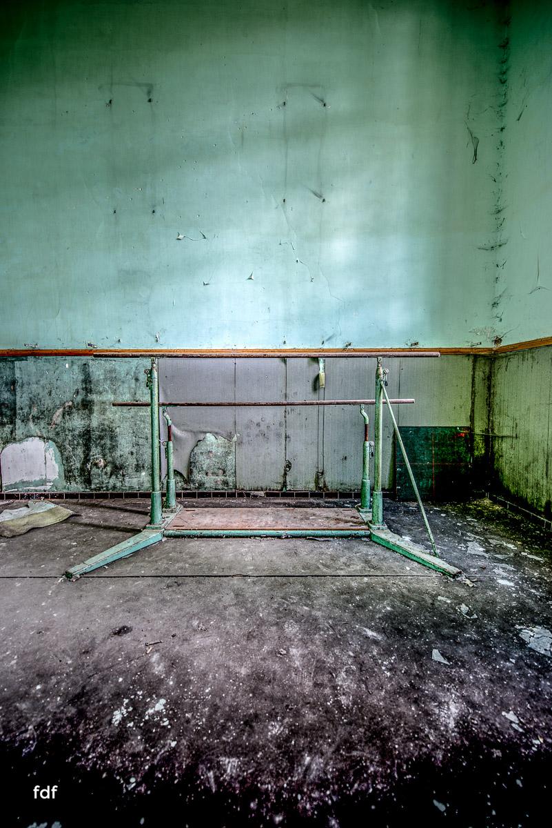 Das Mädchenpensionat-Internat-Schule-Urbex-Lost-Place-Frankreich-16.jpg