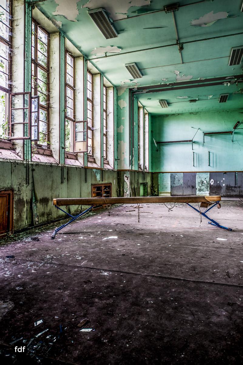 Das Mädchenpensionat-Internat-Schule-Urbex-Lost-Place-Frankreich-17.jpg