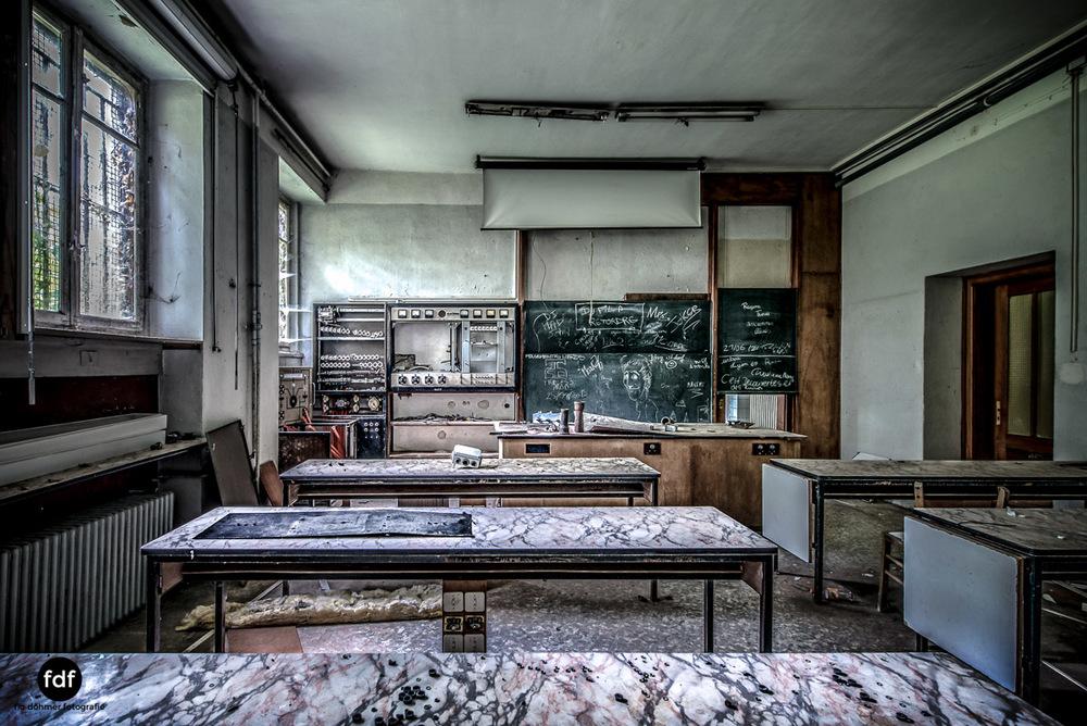Das Mädchenpensionat-Internat-Schule-Urbex-Lost-Place-Frankreich-25.jpg