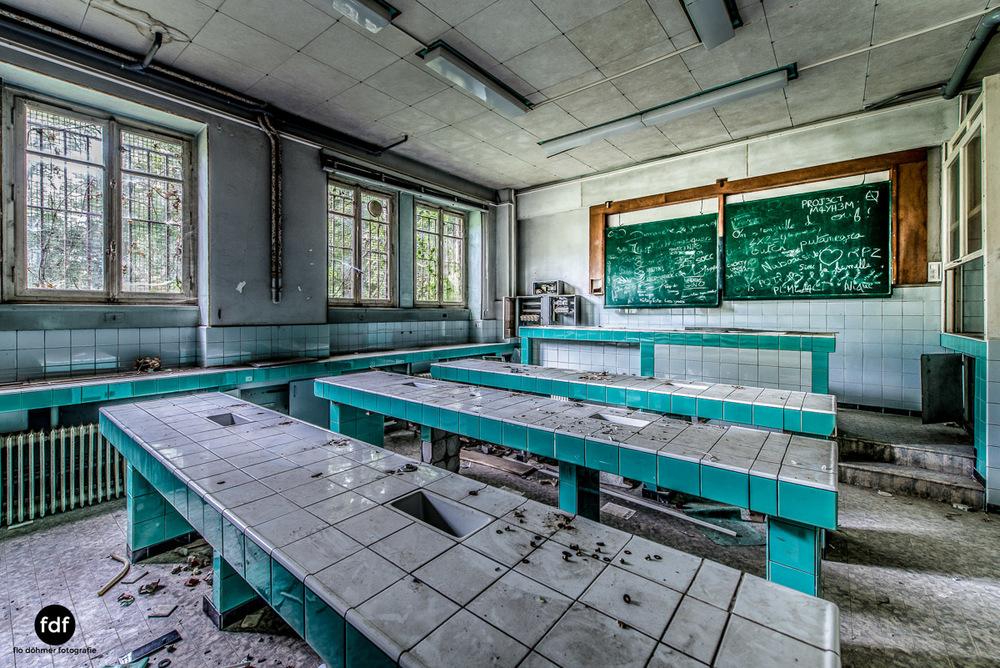 Das Mädchenpensionat-Internat-Schule-Urbex-Lost-Place-Frankreich-26.jpg