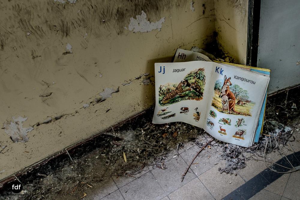 Das Mädchenpensionat-Internat-Schule-Urbex-Lost-Place-Frankreich-29.jpg