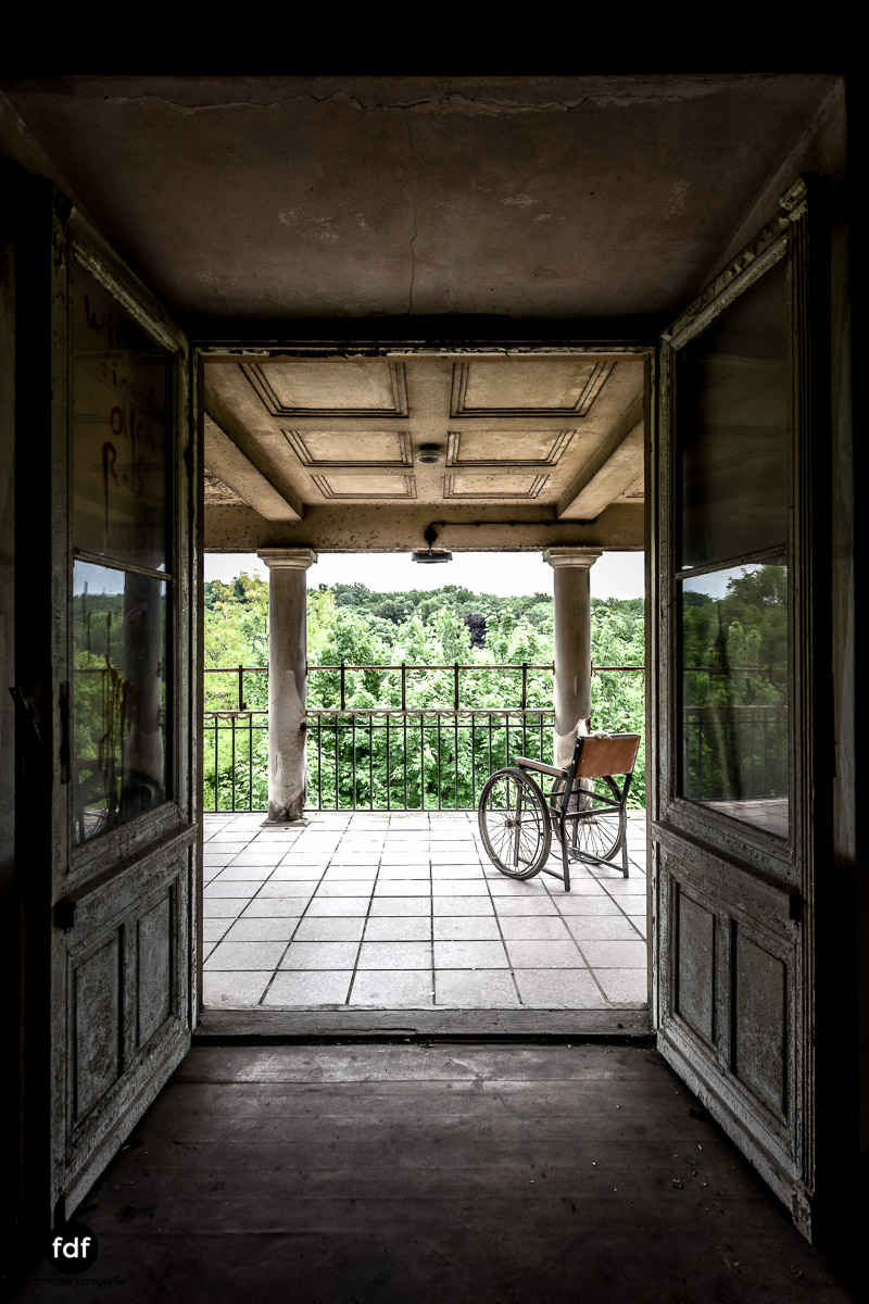 House-of-Wheelchairs-Urbex-Lost-Place-Altenheim-16.jpg