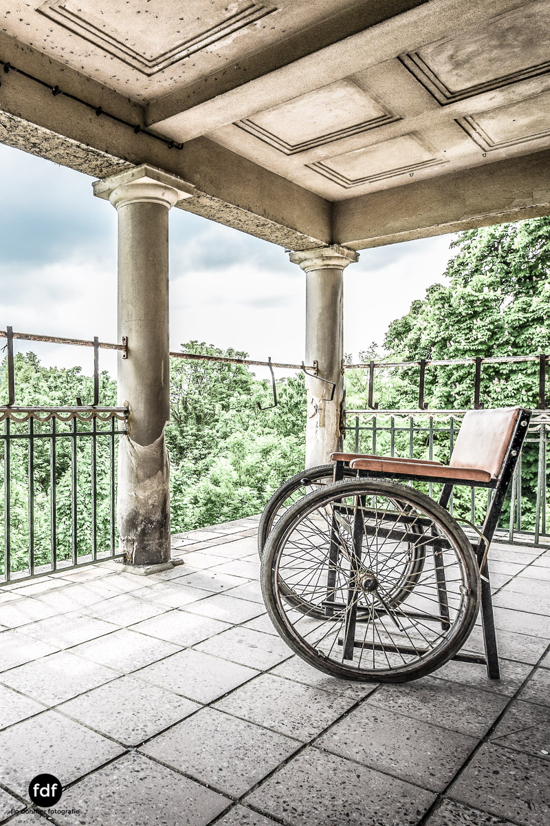 House-of-Wheelchairs-Urbex-Lost-Place-Altenheim-18.jpg