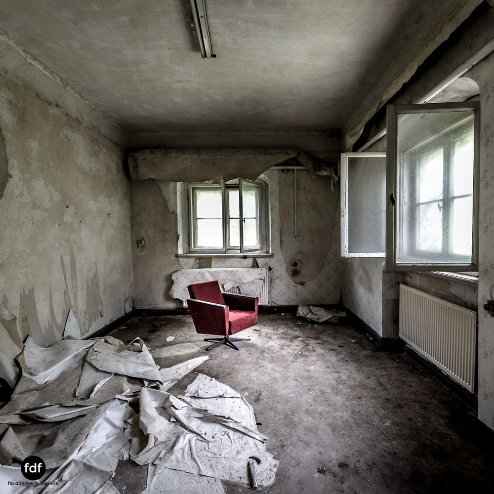 House-of-Wheelchairs-Urbex-Lost-Place-Altenheim-20.jpg