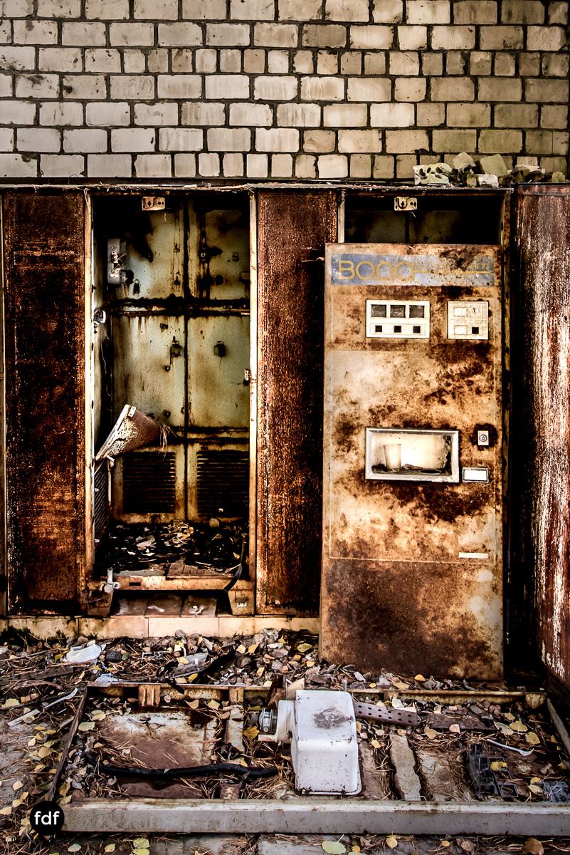 Tschernobyl-Chernobyl-Prypjat-Urbex-Lost-Place-Cafe-Prypjat-Prometheus-Klavierschule-4.jpg