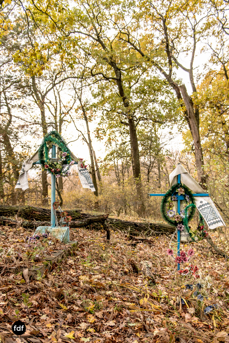 Tschernobyl-Chernobyl-Prypjat-Urbex-Lost-Place-Friedhof-Krasny-3.jpg