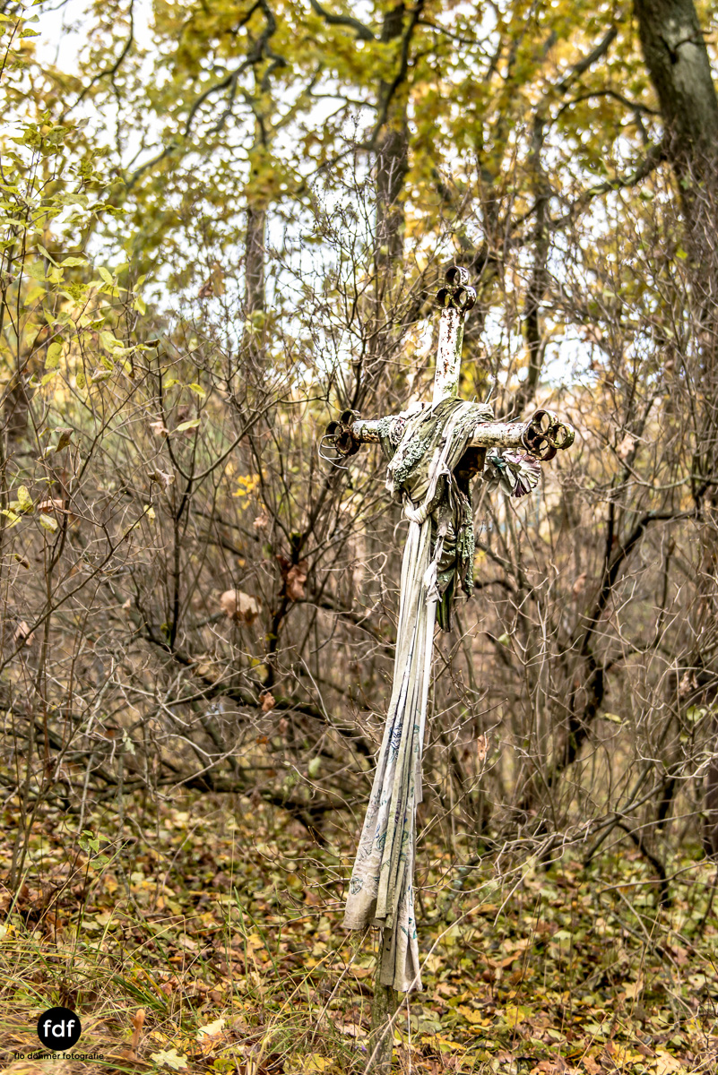 Tschernobyl-Chernobyl-Prypjat-Urbex-Lost-Place-Friedhof-Krasny-6.jpg