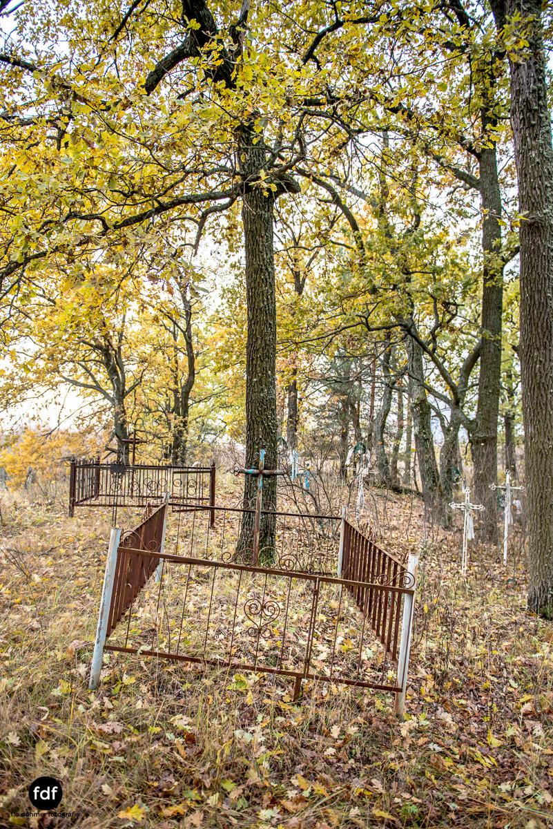 Tschernobyl-Chernobyl-Prypjat-Urbex-Lost-Place-Friedhof-Krasny-8.jpg