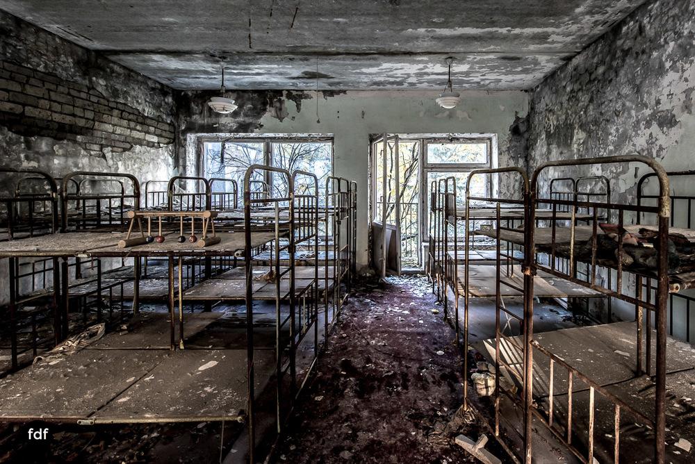 Tschernobyl-Chernobyl-Prypjat-Urbex-Lost-Place-Klavierhaus-Kindergarten-22.jpg