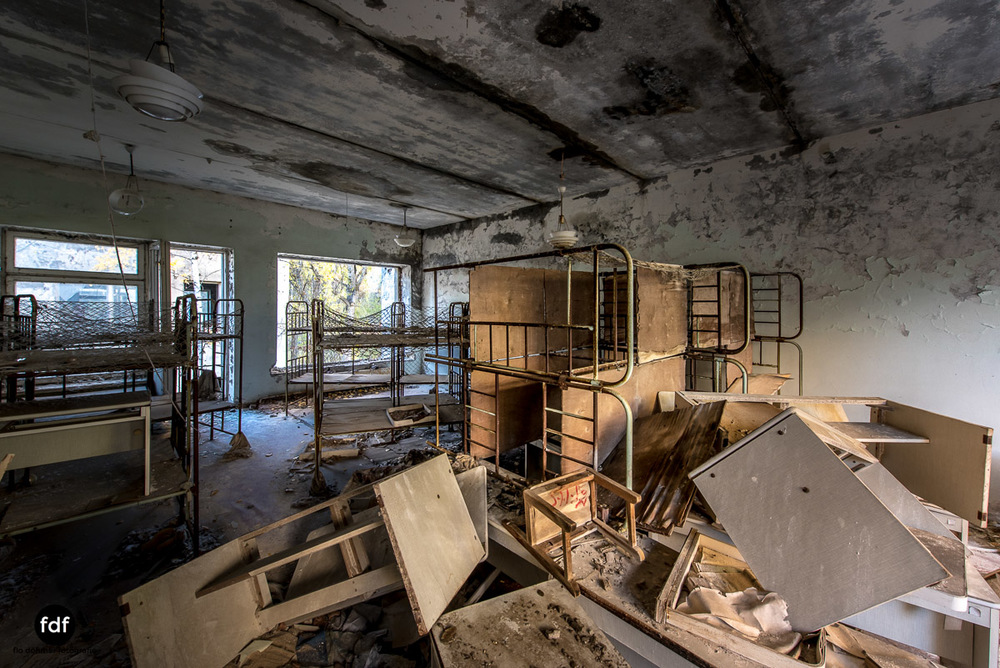 Tschernobyl-Chernobyl-Prypjat-Urbex-Lost-Place-Klavierhaus-Kindergarten-25.jpg