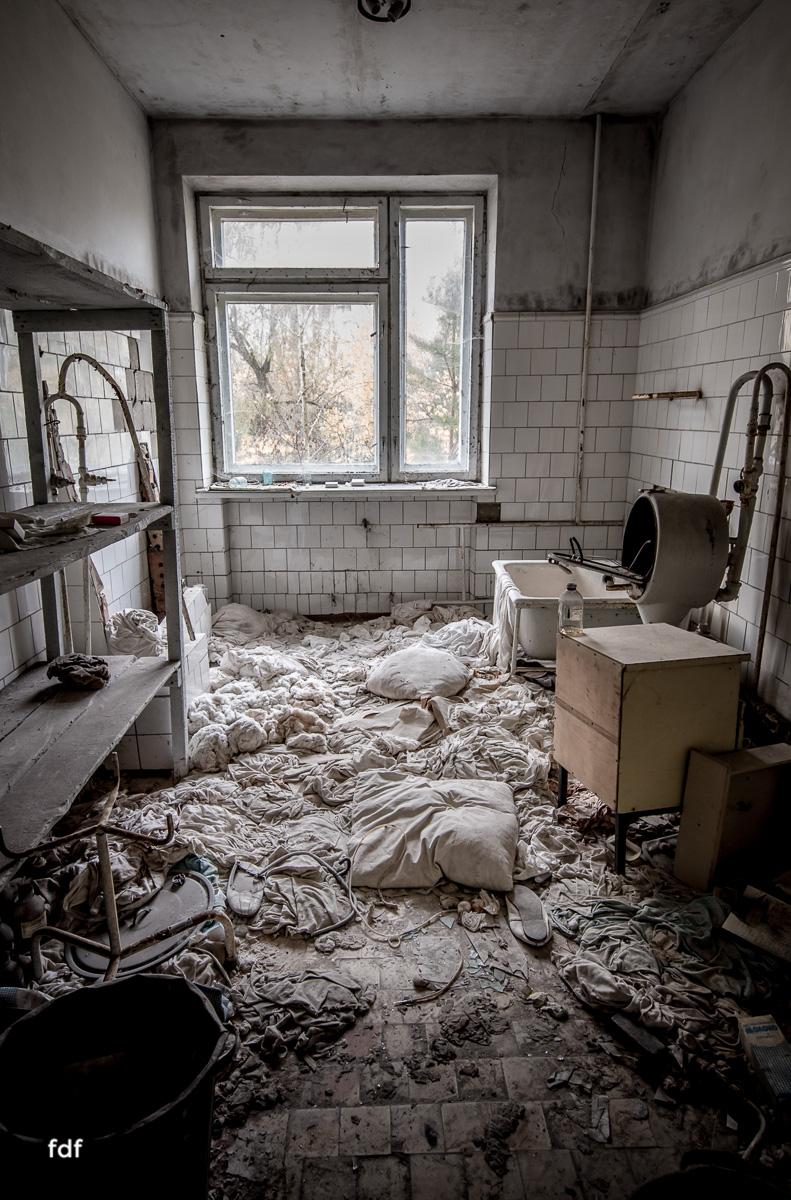 Tschernobyl-Chernobyl-Prypjat-Urbex-Lost-Place-Krankenhaus-6.jpg