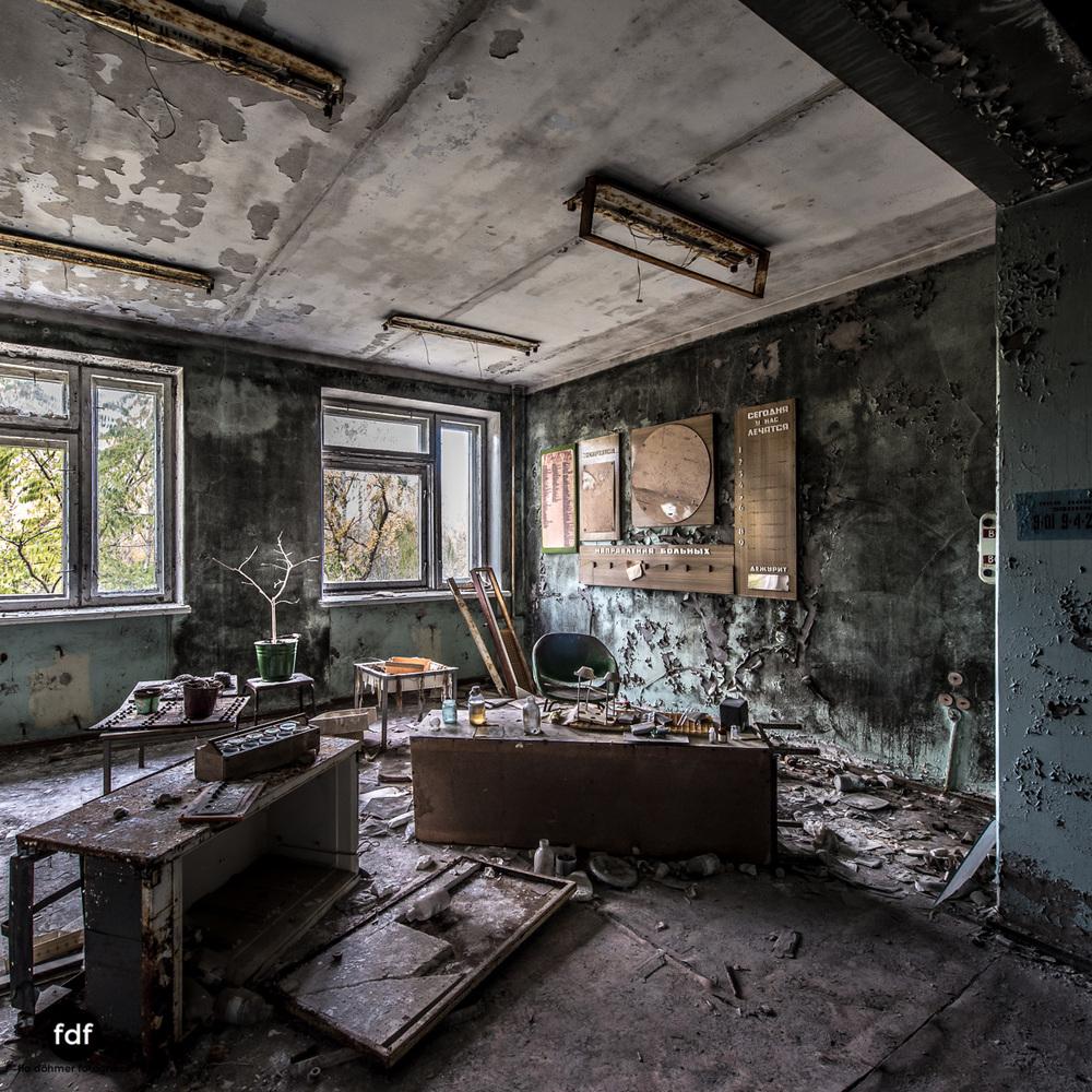 Tschernobyl-Chernobyl-Prypjat-Urbex-Lost-Place-Krankenhaus-17.jpg