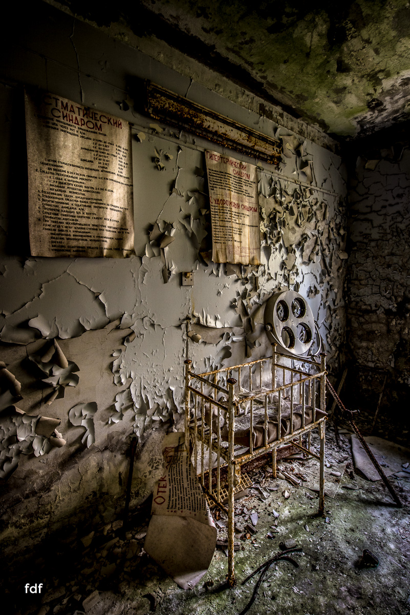 Tschernobyl-Chernobyl-Prypjat-Urbex-Lost-Place-Krankenhaus-39.jpg