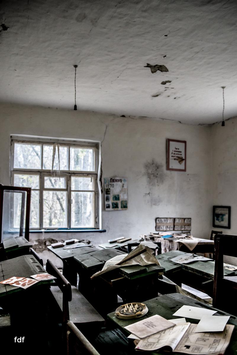 Tschernobyl-Chernobyl-Prypjat-Urbex-Lost-Place-Paryshev-Krasny-1.jpg