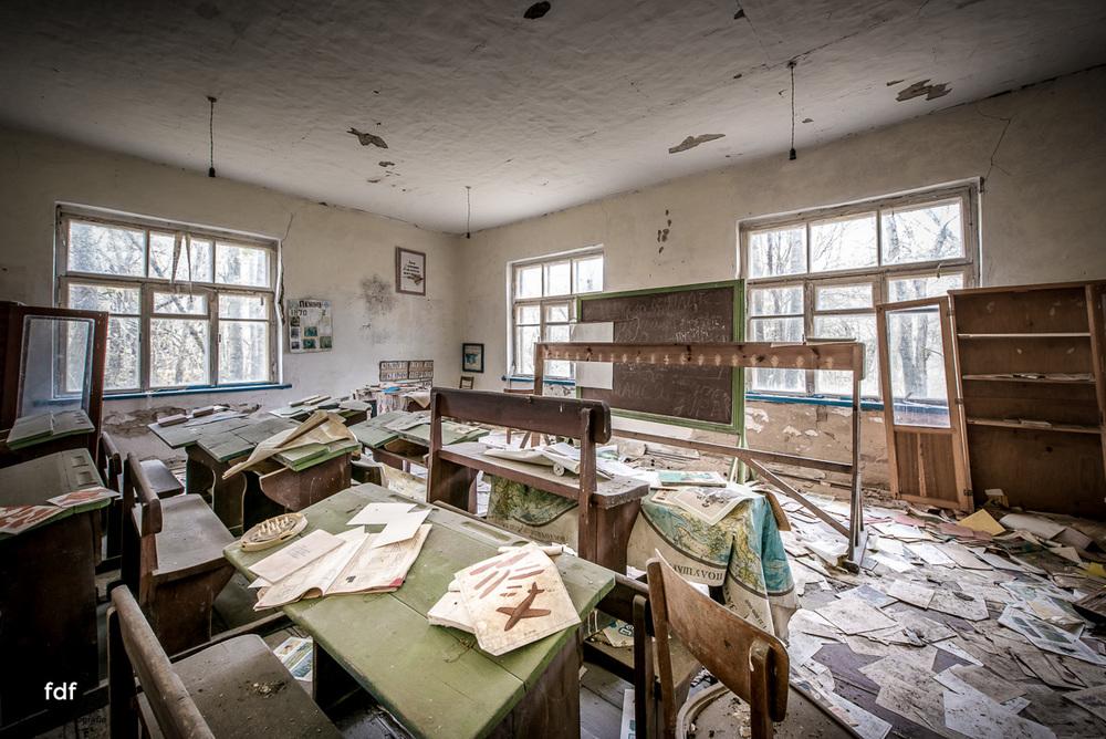 Tschernobyl-Chernobyl-Prypjat-Urbex-Lost-Place-Paryshev-Krasny-6.jpg
