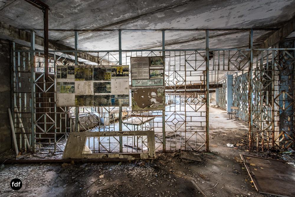 Tschernobyl-Chernobyl-Prypjat-Urbex-Lost-Place-Mittelschule-48.jpg