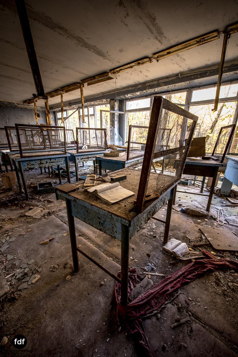 Tschernobyl-Chernobyl-Prypjat-Urbex-Lost-Place-Mittelschule-51.jpg