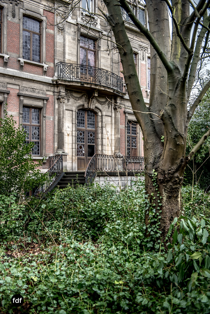 Town-Mansion-Villa-Stadthaus-Urbex-Lost-Place-1.jpg