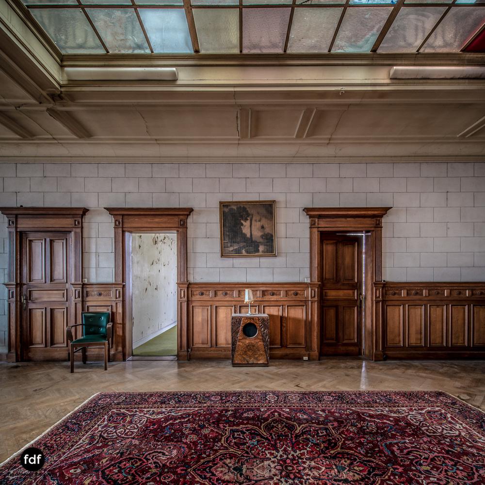 Town-Mansion-Villa-Stadthaus-Urbex-Lost-Place-31.jpg