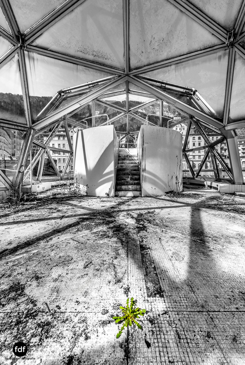 Lost-in-Space-Place-Alpen-Therme-Glashaus-Kuppel-2.JPG