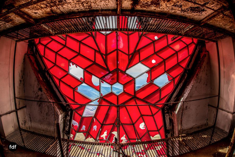 Buzludzha-Monument-Kommunismus-UFO-Shipka-Bulgarien-Lost-Place-1339.JPG