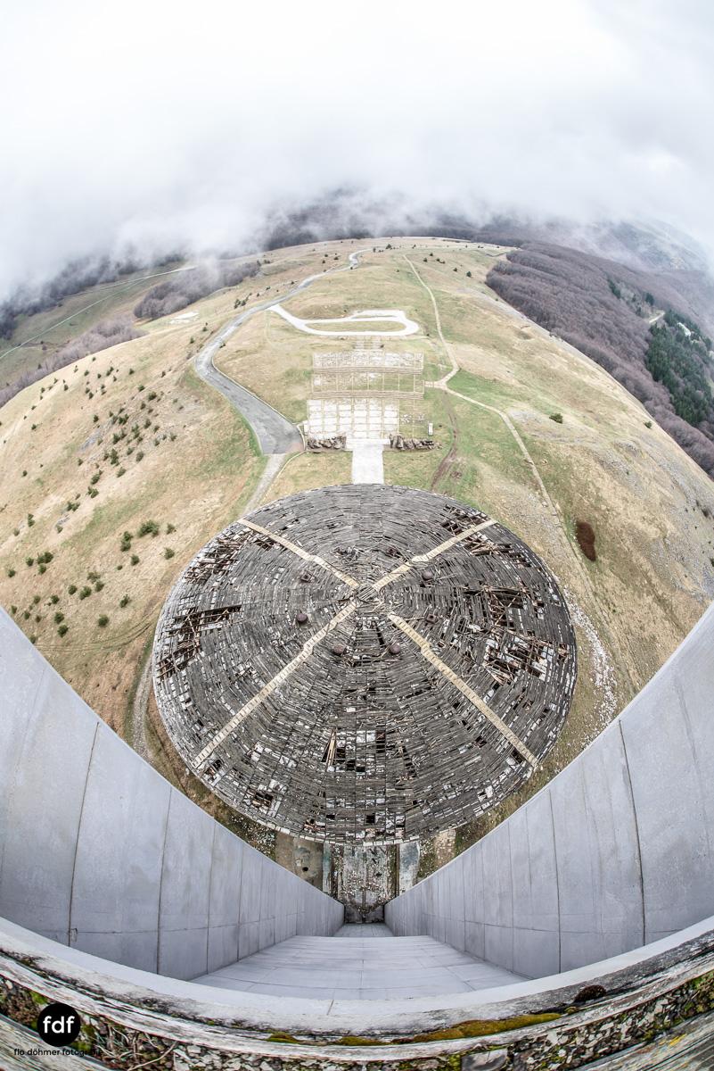 Buzludzha-Monument-Kommunismus-UFO-Shipka-Bulgarien-Lost-Place-2350.JPG