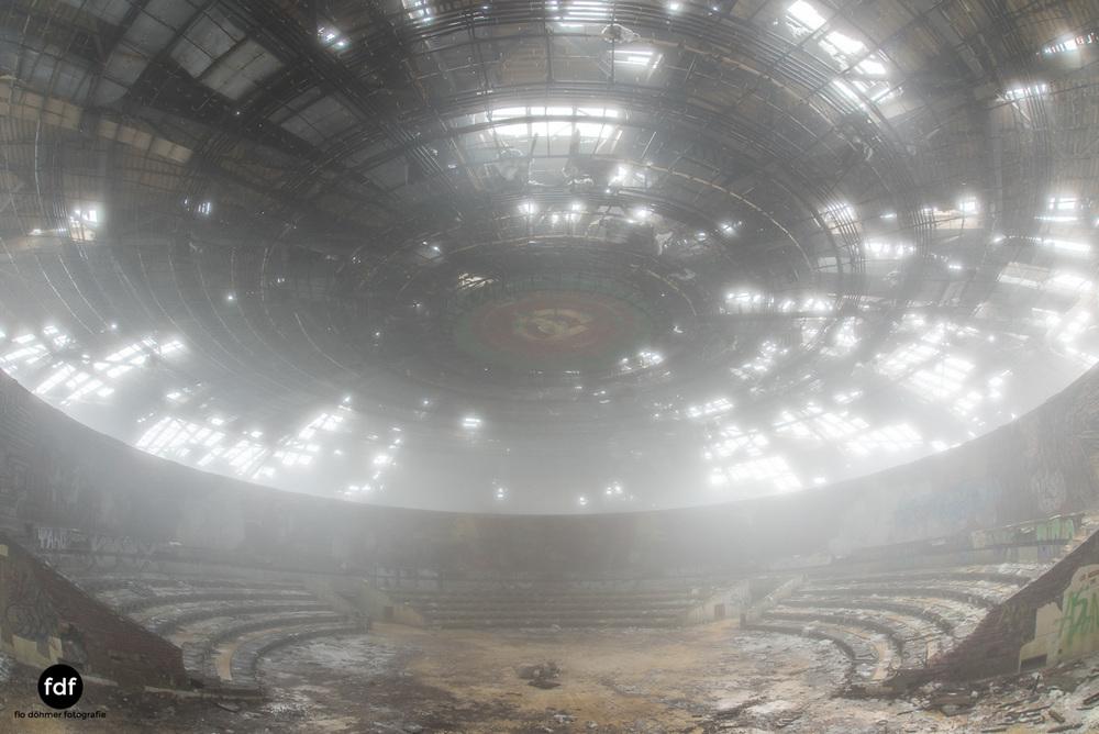 Buzludzha-Monument-Kommunismus-UFO-Shipka-Bulgarien-Lost-Place-1832.JPG