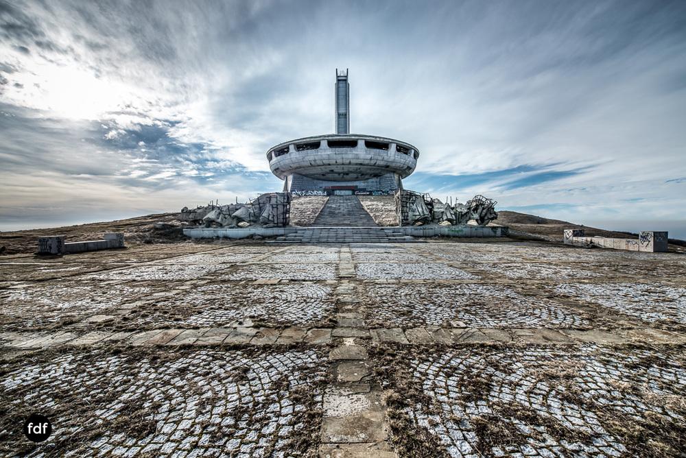 Buzludzha-Monument-Kommunismus-UFO-Shipka-Bulgarien-Lost-Place-232.JPG
