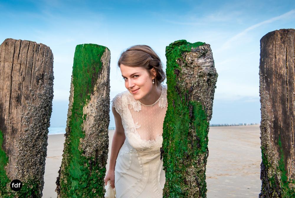 Braut-Meer-Hochzeit-Brautkleid-Shooting-Cadzand (703 von 7).JPG