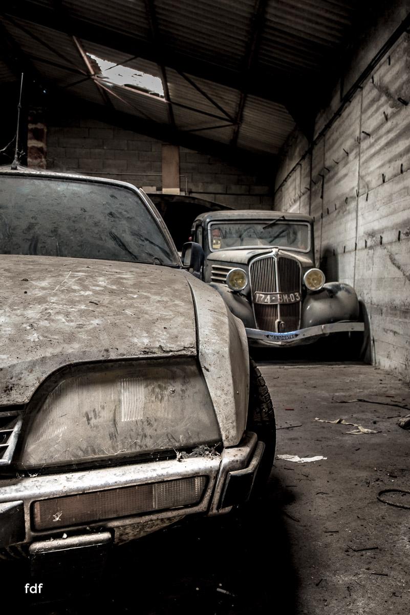 Garage Poussette-Oldtimer-Lost-Place-Frankreich-72.JPG