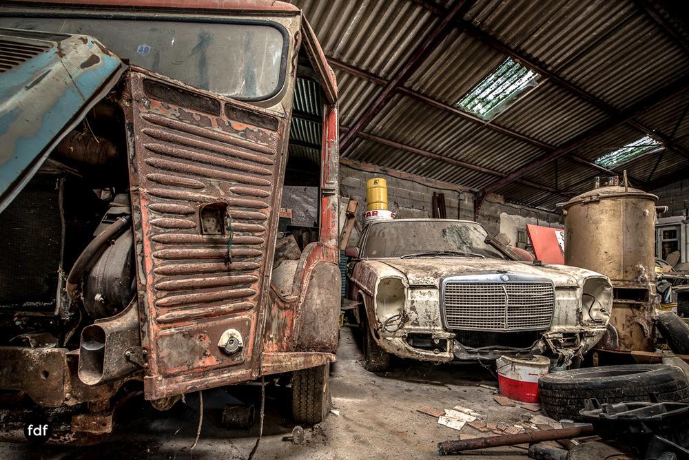 Garage Poussette-Oldtimer-Lost-Place-Frankreich-89.JPG