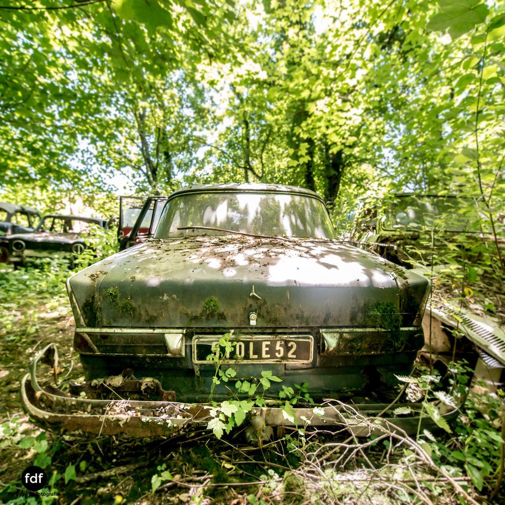 Garage Poussette-Oldtimer-Lost-Place-Frankreich-123.JPG