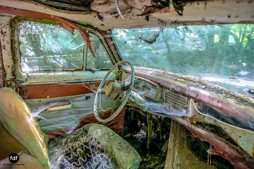 Garage Poussette-Oldtimer-Lost-Place-Frankreich-135.JPG