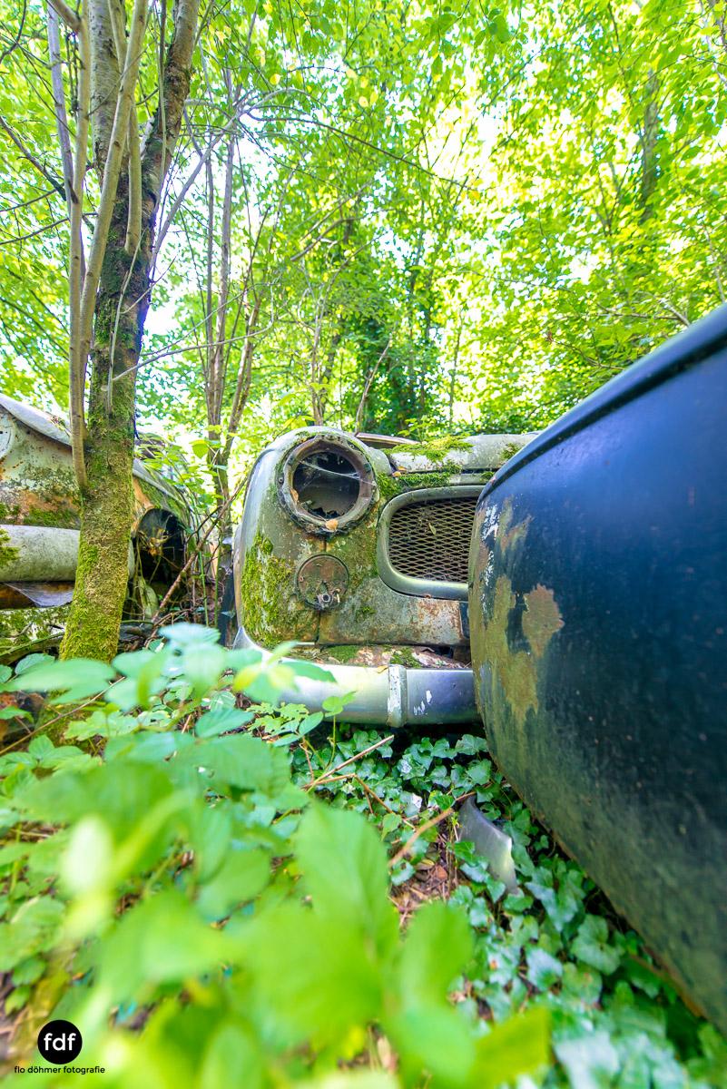 Garage Poussette-Oldtimer-Lost-Place-Frankreich-166.JPG