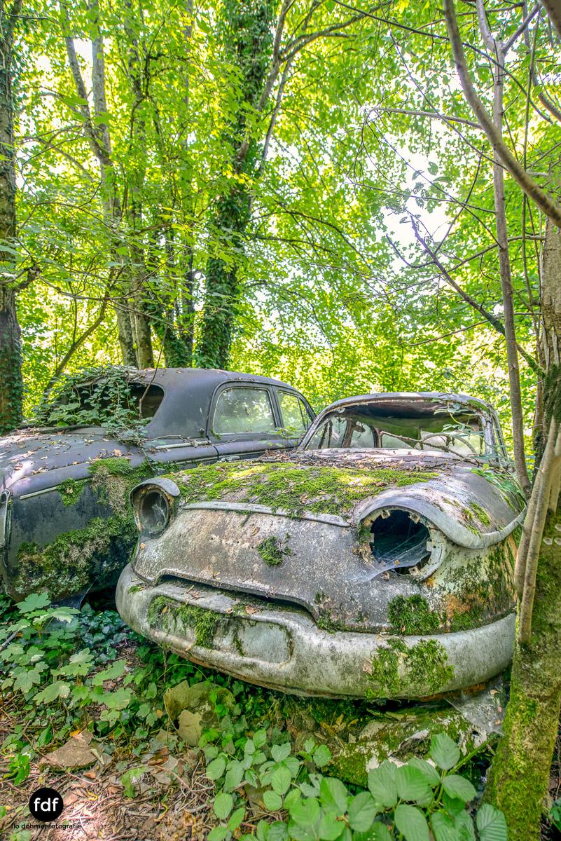 Garage Poussette-Oldtimer-Lost-Place-Frankreich-158.JPG