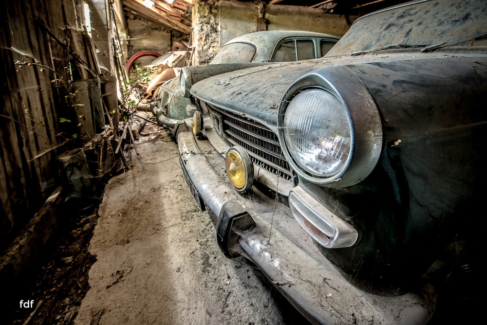 Garage Poussette-Oldtimer-Lost-Place-Frankreich-214.JPG