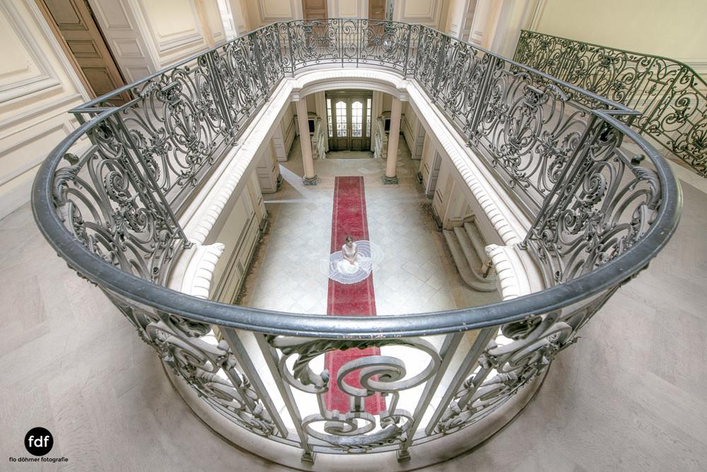 Chateau-Lumiere-Braut-Lost-Place-Urbex-Frankreich-6.JPG