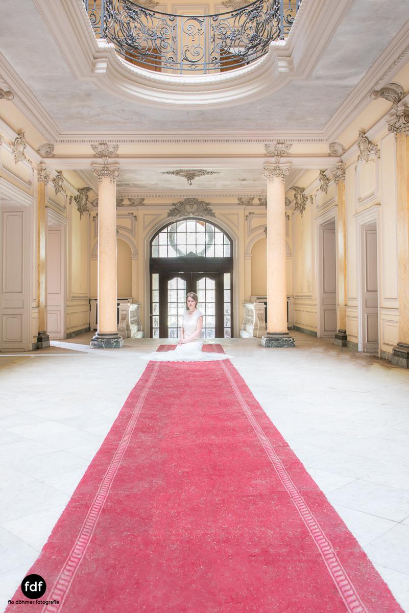Chateau-Lumiere-Braut-Lost-Place-Urbex-Frankreich-127.JPG