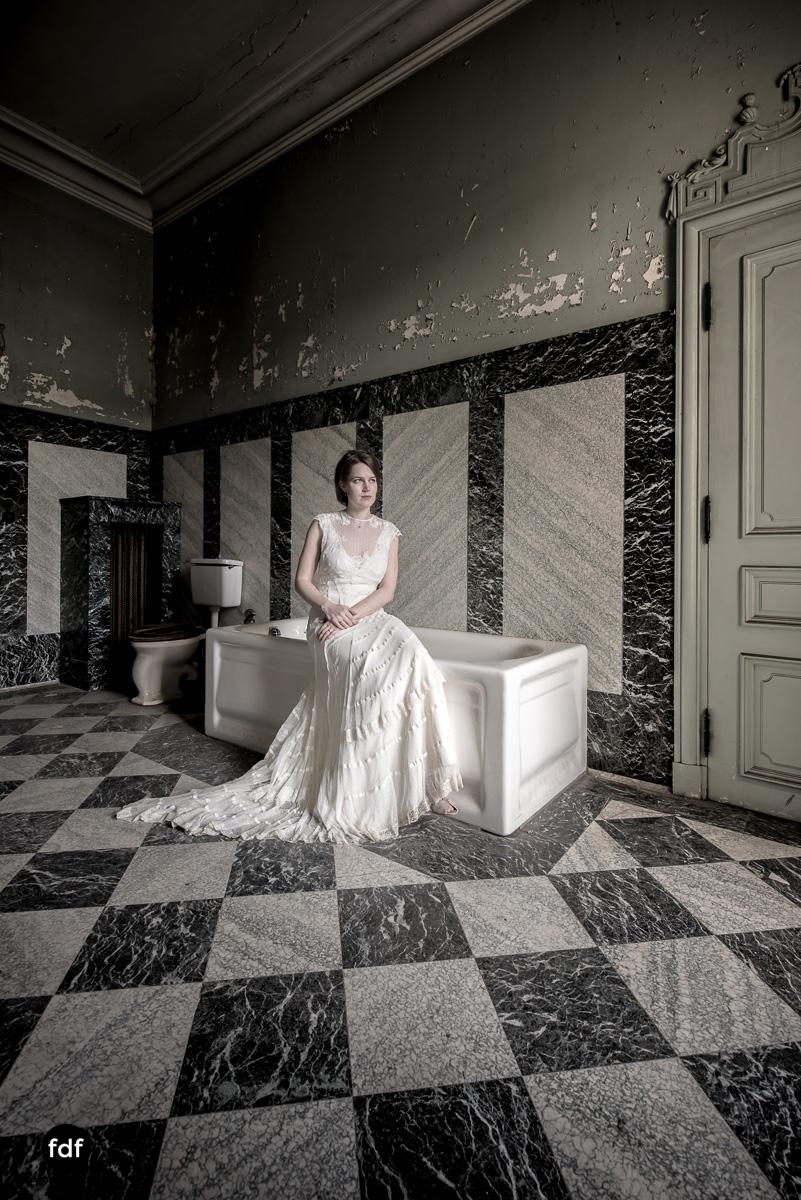 Chateau-Lumiere-Braut-Lost-Place-Urbex-Frankreich-244.JPG