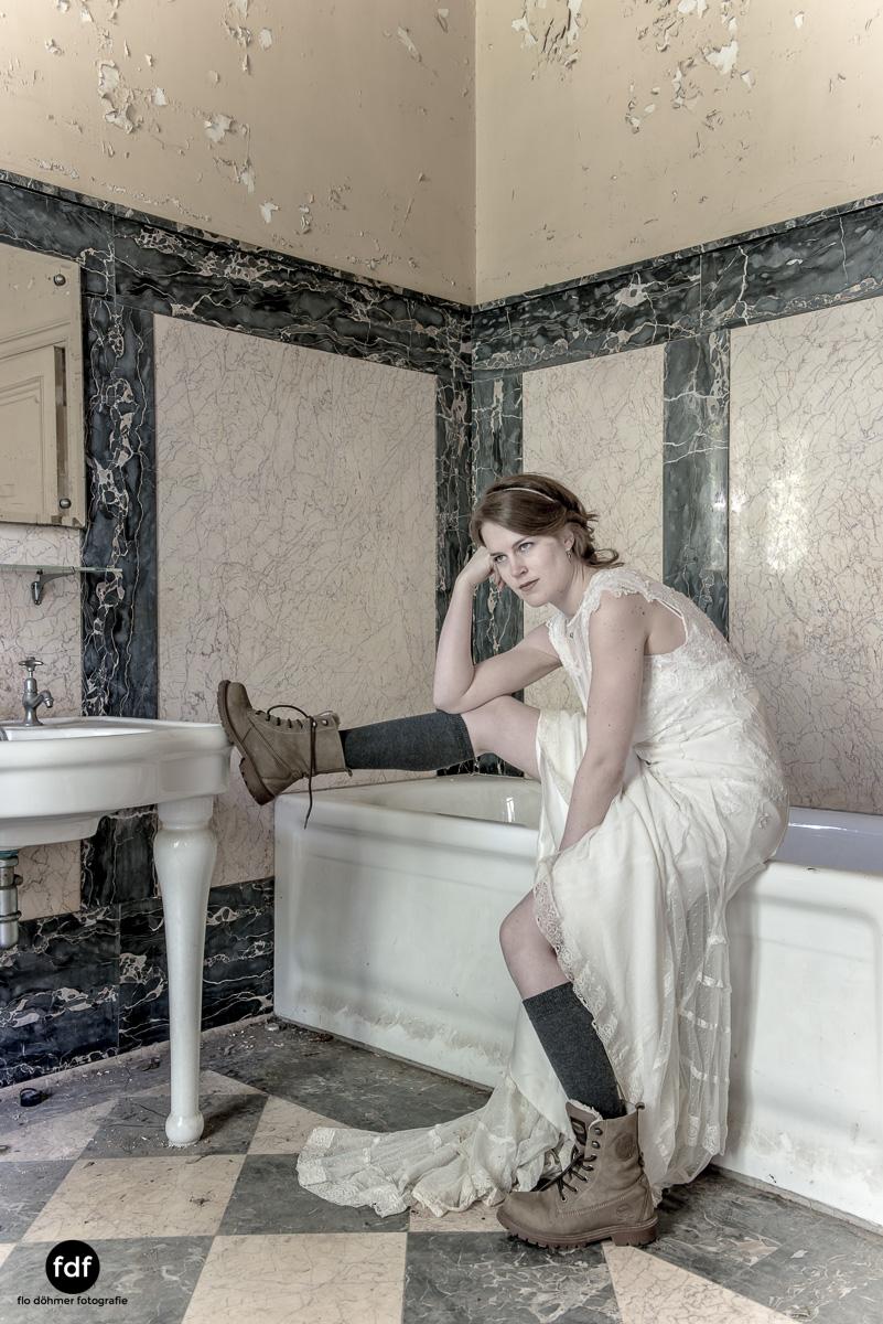 Chateau-Lumiere-Braut-Lost-Place-Urbex-Frankreich-283.JPG
