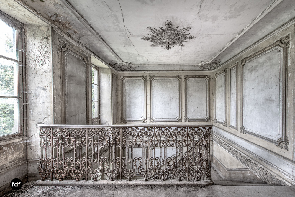 Chateau-Secession-Lost-Place-Urbex-Frankreich-8.JPG