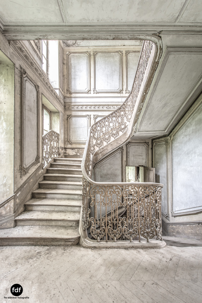 Chateau-Secession-Lost-Place-Urbex-Frankreich-7.JPG
