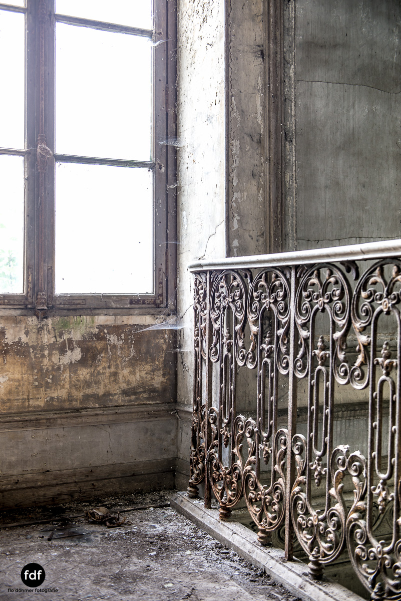 Chateau-Secession-Lost-Place-Urbex-Frankreich-10.JPG