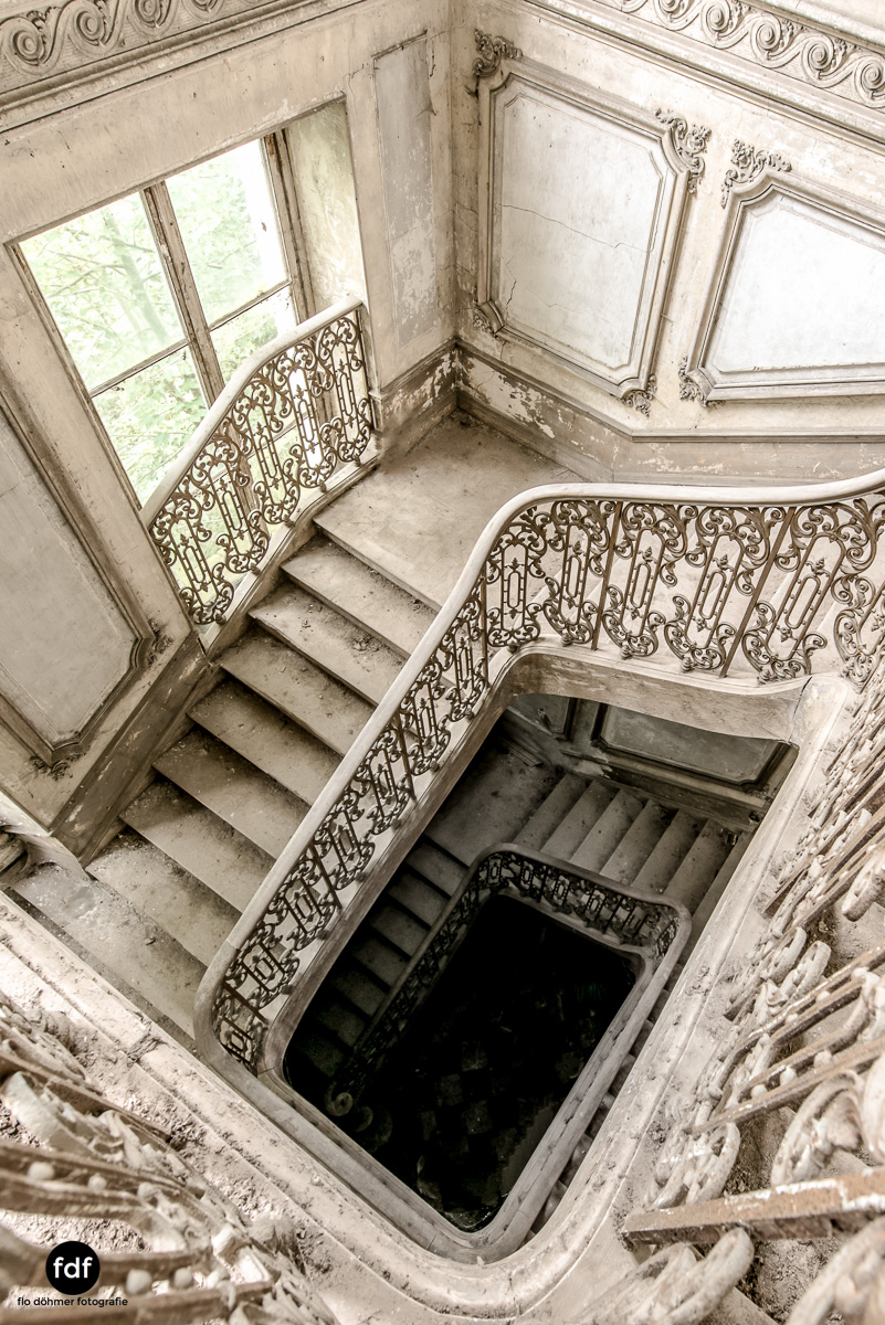 Chateau-Secession-Lost-Place-Urbex-Frankreich-11.JPG