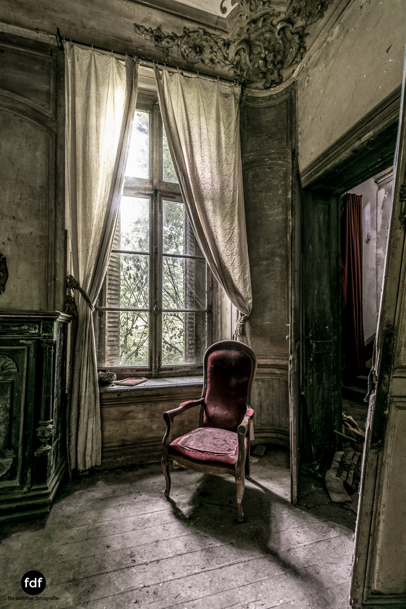 Chateau-Secession-Lost-Place-Urbex-Frankreich-17.JPG