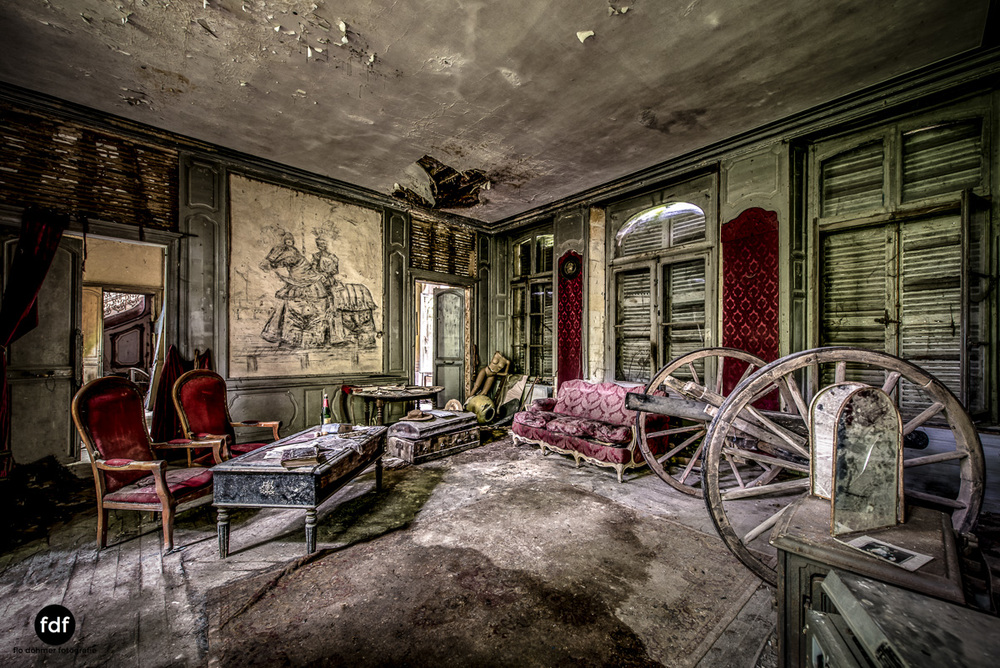 Chateau-Secession-Lost-Place-Urbex-Frankreich-25.JPG